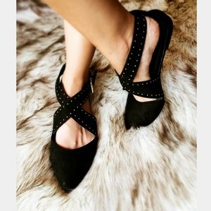 Shoes - 🆕️//The Charlotte// Black studded flat